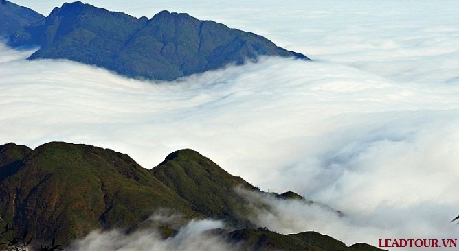 Tour leo núi Fansipan