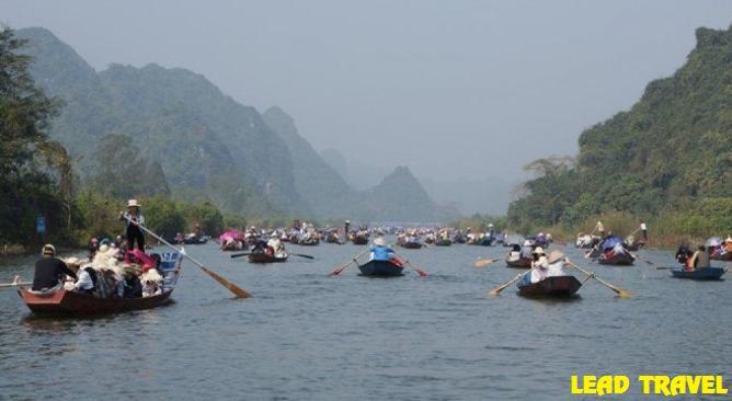 Tour-Chua-Huong-1-ngay