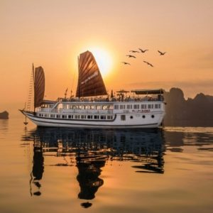 Tour du thuyền Hạ Long