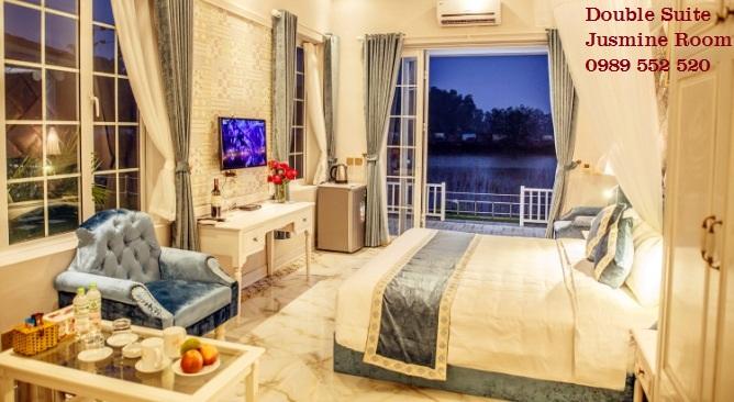 phòng biệt thự Jusmine làng châu âu Vườn Vua Resort