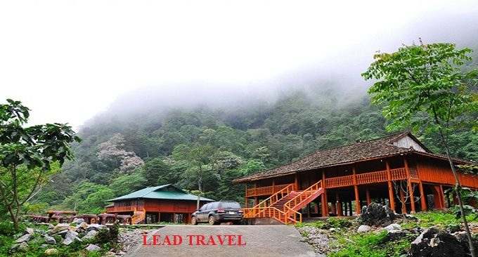 Nhà sàn hồ Thang Hen