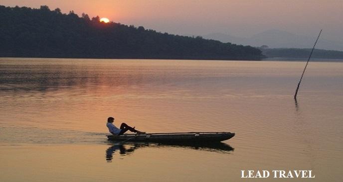 du lịch hồ Thác Bà Yên Bái