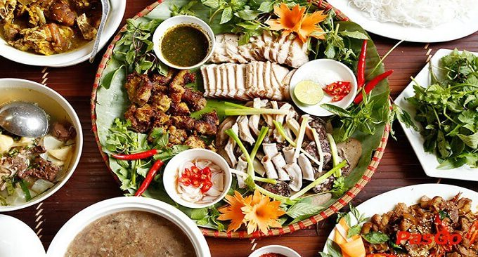 nhà hàng Mai Châu