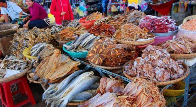 chợ hải sản Bãi Cháy