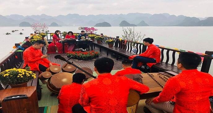 giá tàu chùa Tam Chúc