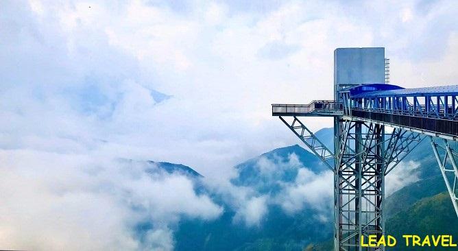chiêm ngưỡng cầu kính rồng mây dài và cao nhất Đông Nam Á
