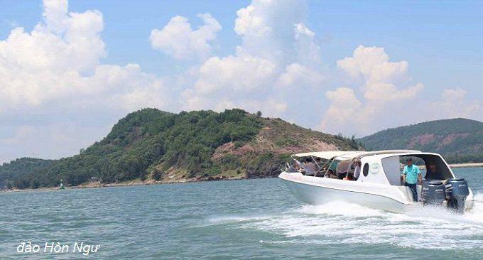 thuê thuyền ra đảo hòn ngư