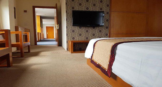 khách sạn queen hotel ninh bình