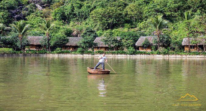 chèo thuyền thúng