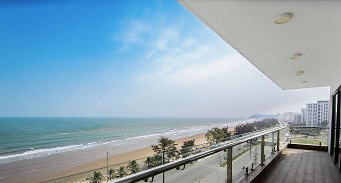 view khách sạn ra bãi biển Sầm Sơn