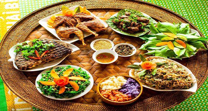 thưởng thức ẩm thực Mộc Châu, Tây Bắc ở Hồ Bản Mòn