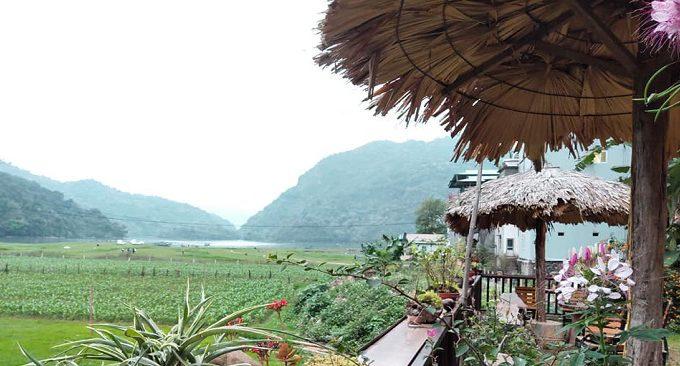 view hướng quang cảnh đồng lúa và bản làng